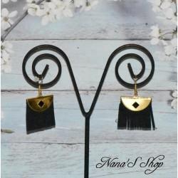 Boucles d'oreilles dorée, frange suédine