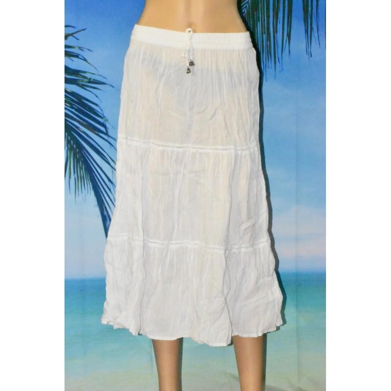 Longue jupe, plissée, blanche