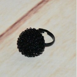 Bague boule noire, en fil métalique