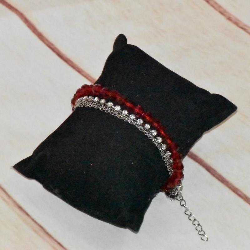 Bracelet chaînettes et perles en cristal rouge