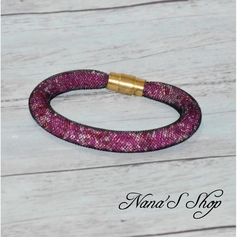 Bracelet résille tubulaire noire, perles de rocailles tons rose